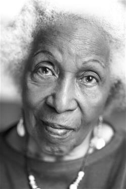 i am a black woman by mari evans Mari evans (born july 16, 1923) is an african-american poet she is a much anthologized poet, whose work has appeared in more than one hundred anthologies.